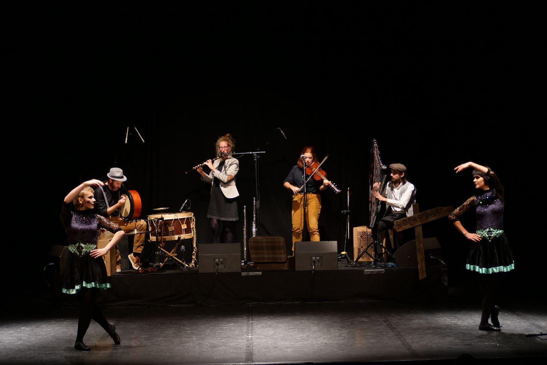 Spectacle Whats the craic? Breizh Jiggers Danse irlandaise Tours Ghillie's Irish and Folk music